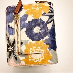Fossil   Small Floral Wallet   Like New